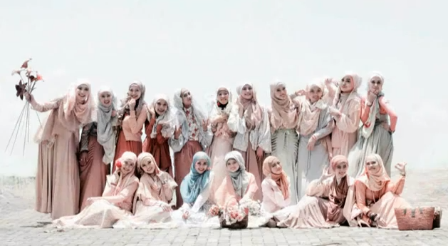 http://www.infobdg.com/v2/wp-content/uploads/2012/06/Hijabers-Community-Bandung.wmv-YouTube-2012-06-24-09-24-15.png