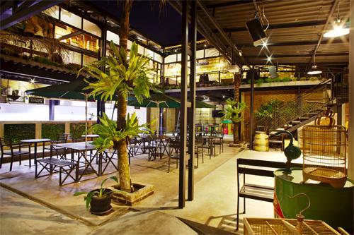 10 Tempat Makan Dengan Konsep Unik Di Bandung