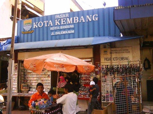 Bandung - INFOBDG — 10 Tempat Belanja Murah di Bandung b27a972e55