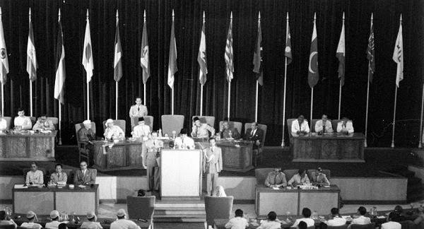 Suasana Dalam Gedung Merdeka saat berlangsungnya Konferensi Asia Afrika
