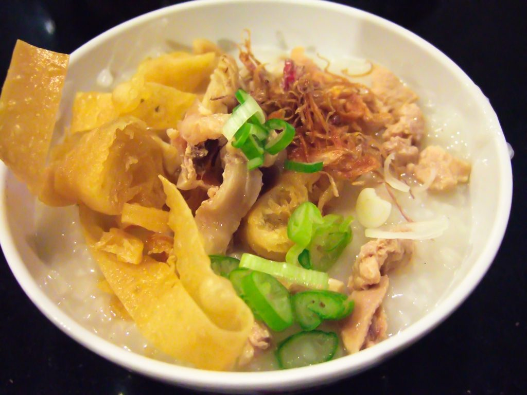 Bubur_ayam_chicken_porridge