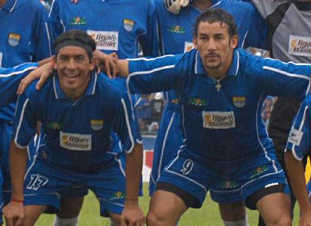 150731221929--persibhariini-1-agustus-2004-duet-moreno-molina-cetak-gol-pertama-untuk-persib