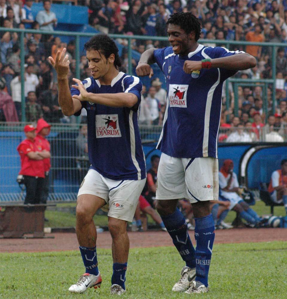 Barkoui (kiri) - mangdien.blogspot.com