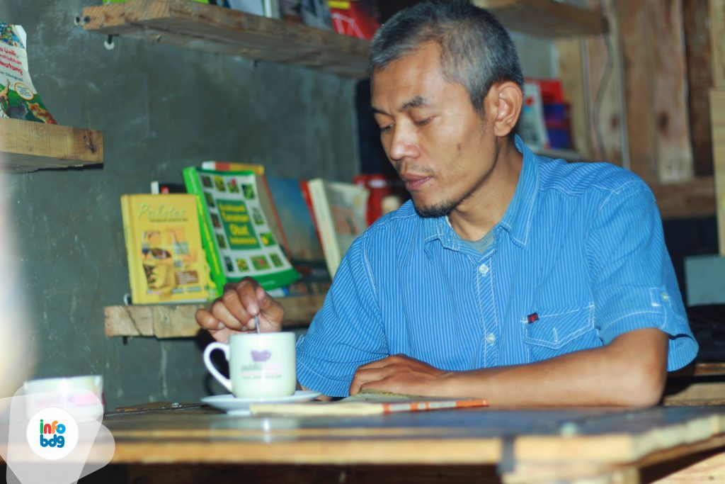 Public Space: Ngopi, Silaturahmi dan Bertukar Wawasan