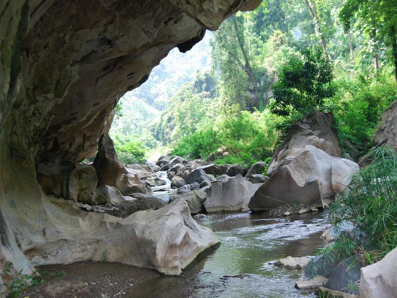 Wisata Gua Sanghyang Tikoro dan Sanghyang Poek   infobdg.com