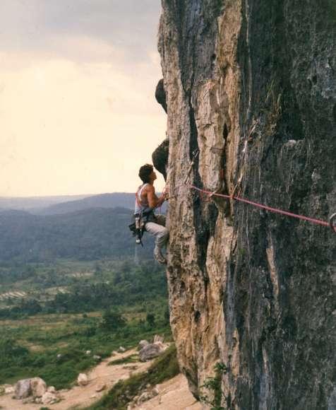Olahraga Ekstrem Di Tebing Citatah Bandung Barat Infobdg Com