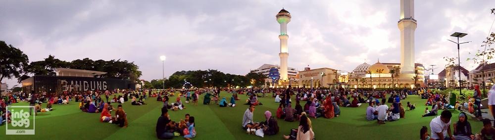 Masjid Agung Bandung Menjadi Tempat Wisata Saat Ramadhan