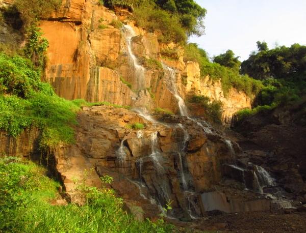 wisata alam bandung timur Curug Batu Templek