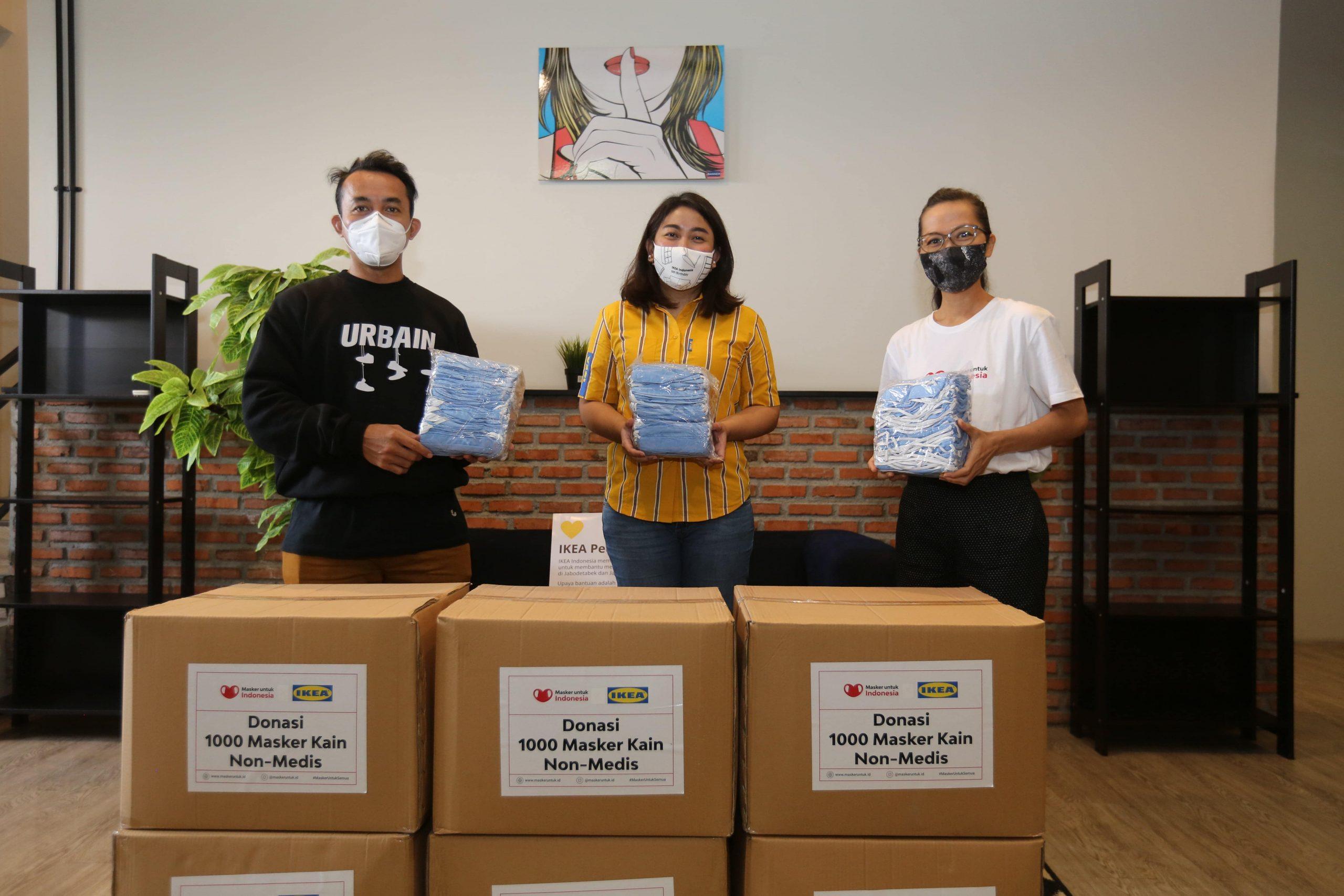 ikea indonesia salurkan 11 250 masker kain non medis hasil program belanja untuk kebaikan